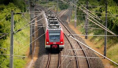 Инвалиды-колясочники смогут покупать льготные билеты на поезда через интернет